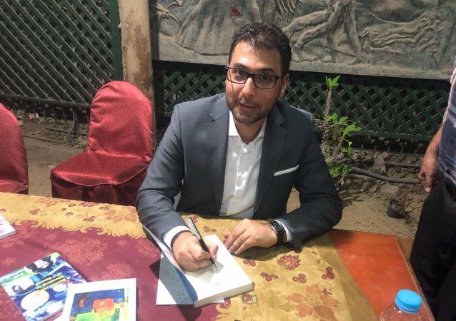 الكاتب اللبناني محمد طرزي