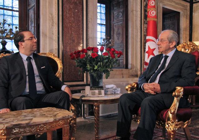 اجتماع بين رئيس البرلمان التونسي محمد الناصر ورئيس الحكومة يوسف الشاهد بعد وفاة الرئيس السبسي