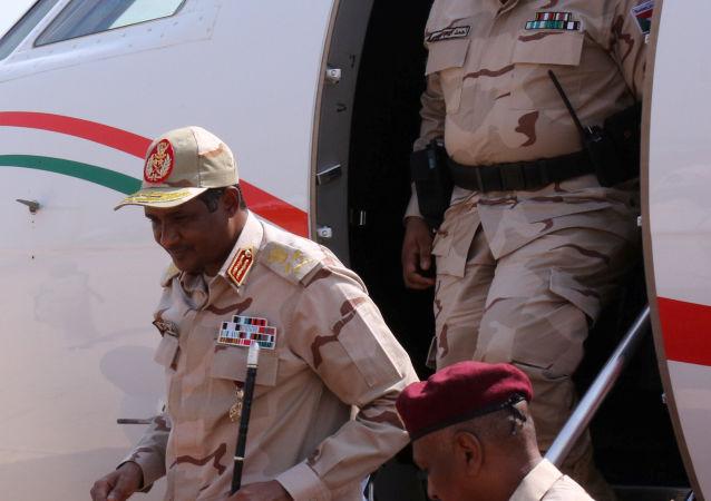 نائب رئيس المجلس العسكري الانتقالي في السودان الفريق أول محمد حمدان دقلو حميدتي
