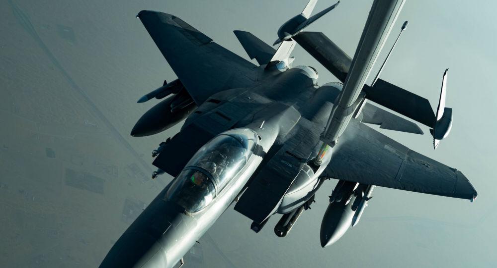 طائرة إف-15إ الأمريكية فوق منطقة الخليج العربي، إيران، 27 يونيو/ حزيران 2019