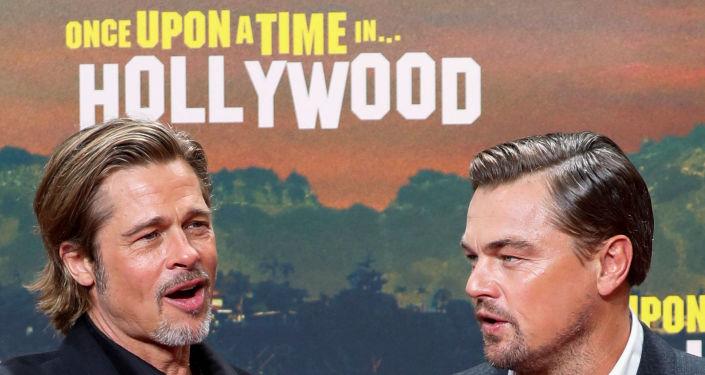 ليوناردو دي كابريو وبراد بيت في العرض الخاص لفيلم Once Upon a time in Hollywood في برلين