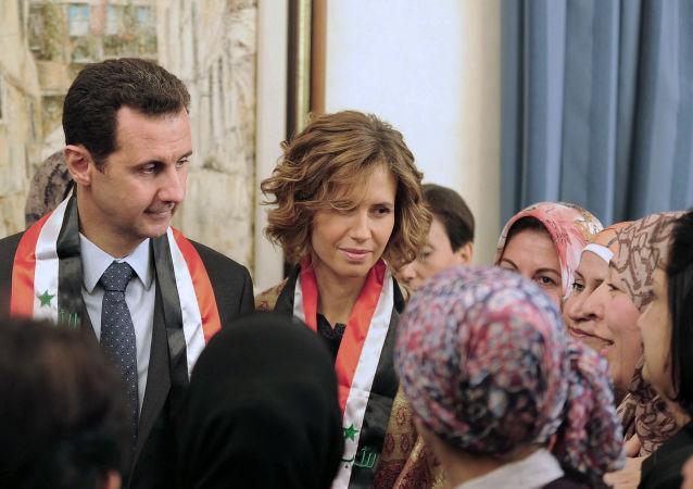 أسماء الأسد مع زوجها الرئيس السوري بشار الأسد