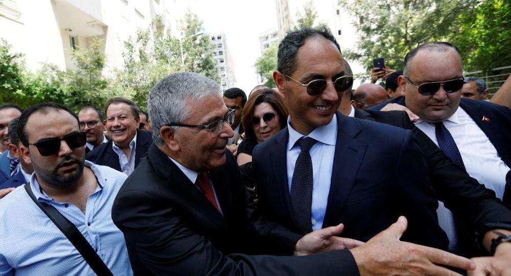 وزير الدفاع التونسي، عبد الكريم الزبيدي، يقدم أوراقه لرئاسة الجمهورية، 7 أغسطس/آب 2019
