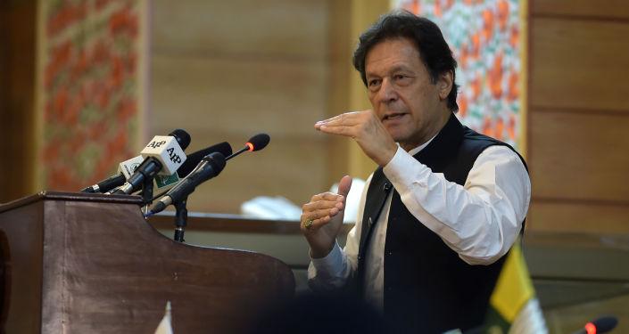 رئيس الوزراء الباكستاني عمران خان في كشمير