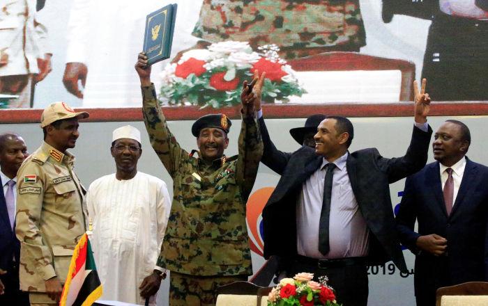 إرجاء حل المجلس العسكري في السودان وإمهال المعارضة 48 ساعة