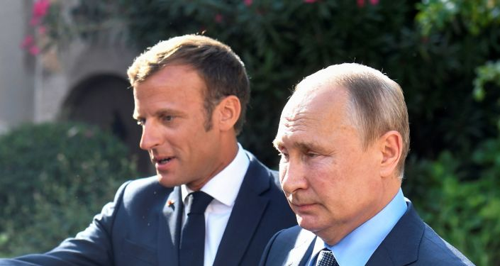 الرئيس الروسي فلاديمير بوتين والرئيس الفرنسي إيمانويل ماكرون