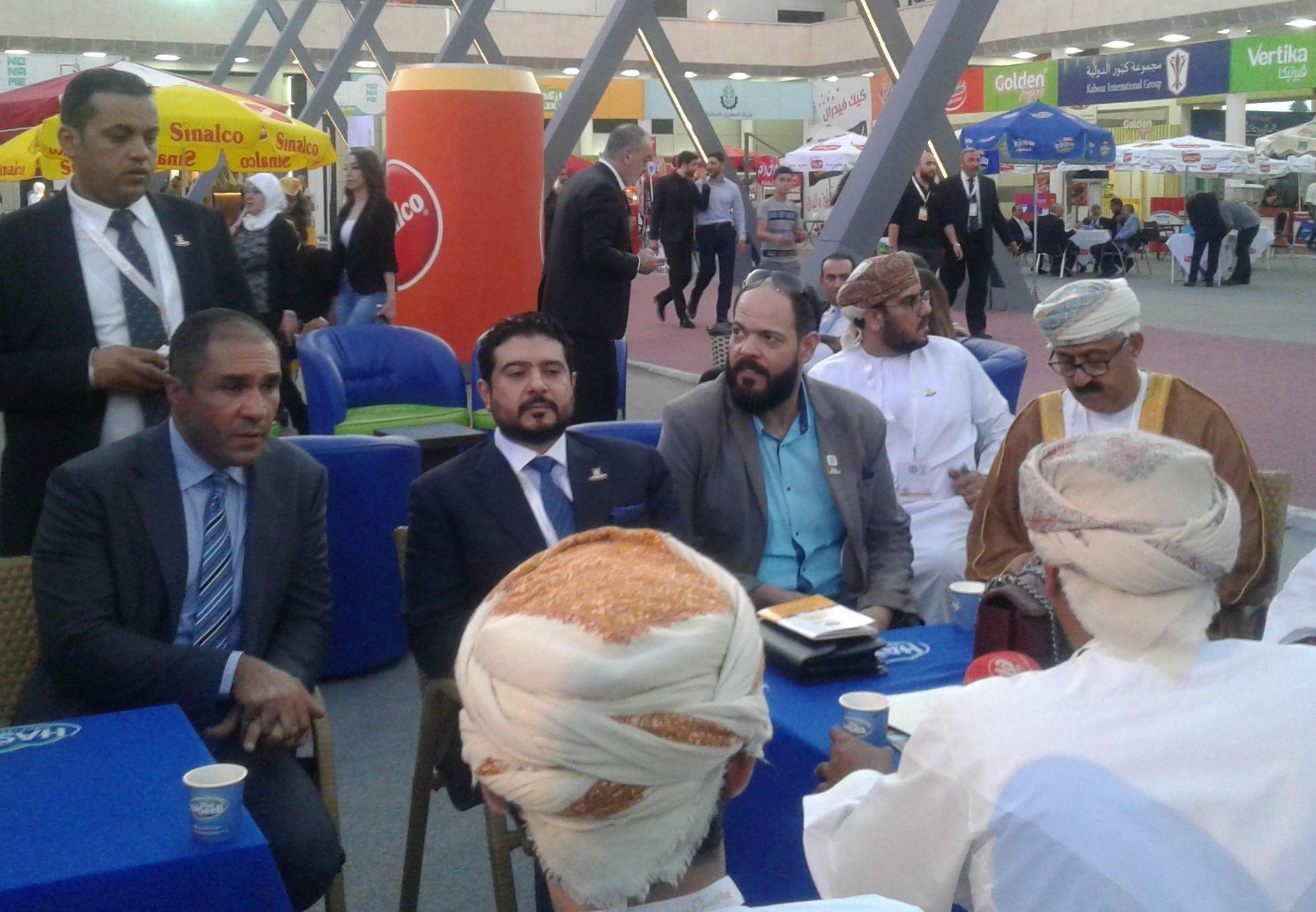 لقاء الوفد العماني مع رئيس غرف الصناعة السورية في معرض دمشق الدولي