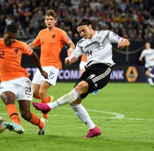 من مباراة ألمانيا مع هولندا