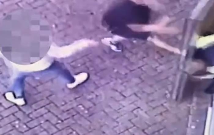 فيديو يمنع رجل من دخول الملاعب لـ3 سنوات