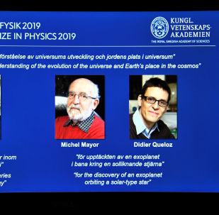 الفائزون بجائزة نوبل في الفيزياء لعام 2019