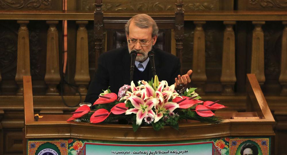رئيس مجلس الشورى الإيراني علي لاريجاني