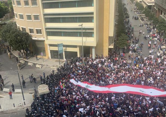 احتحاجات وسط بيروت، لبنان 18 أكتوبر 2019