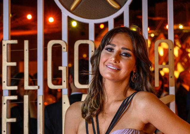 الممثلة المصرية حلا شيحة في مهرجان الجونة 2019