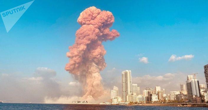 """بعد الصدى الكبير.. لوحة """"الملائكة الصاعدة"""" في مزاد علني يعود ريعه لضحايا انفجار مرفأ بيروت.. فيديو"""