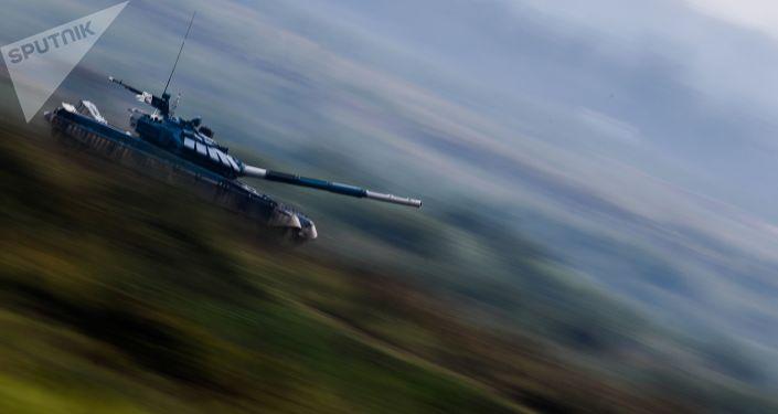 "شويغو يعلن عن تحديث دبابات ""تي-72"""