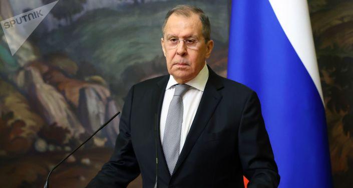 وزيرا الخارجية الروسي والجزائري يبحثان الوضع في الصحراء الغربية والتسوية الليبية