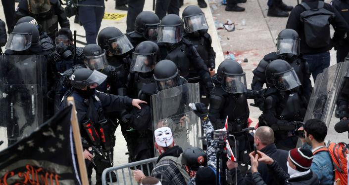 السفارة الروسية: لا معلومات حتى الآن عن وجود روس بين المحتجزين أو المصابين بأحداث الكونغرس