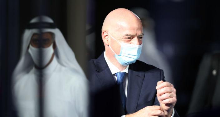 """مباراة استعراضية بين """"فيفا"""" واتحاد الإمارات لكرة القدم ونخبة من نجوم اللعبة السابقين... صور"""