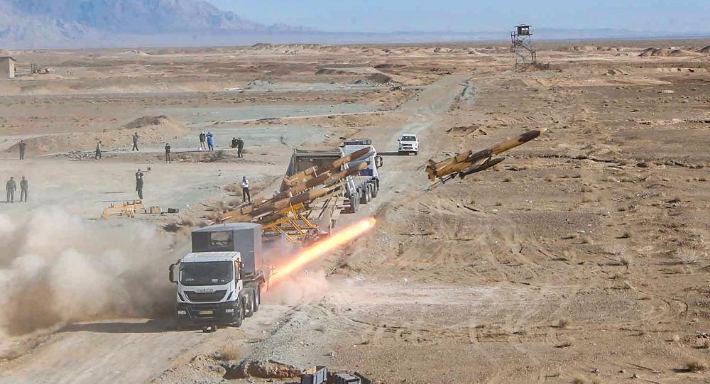 وكالة: انطلاق مناورات القوة البرية للجيش الإيراني على سواحل مكران