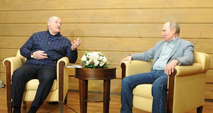 الكرملين: بوتين يبحث مع الرئيس البيلاروسي العلاقات الثنائية والتسوية في قره باغ