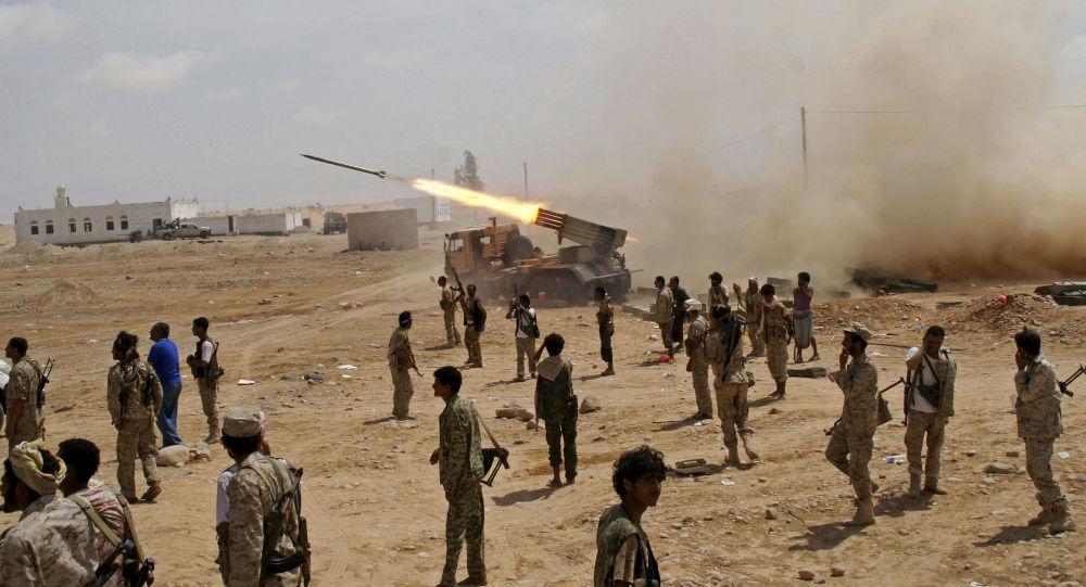 """الجيش اليمني يعلن مقتل مسلحين من """"أنصار الله"""" وتدمير عتاد في غارات جوية غرب مأرب"""