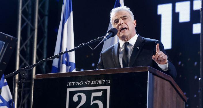 لابيد وبينيت يتفقان على تشكيل الحكومة الإسرائيلية بالتناوب.. ونتنياهو يعلق: عملية احتيال