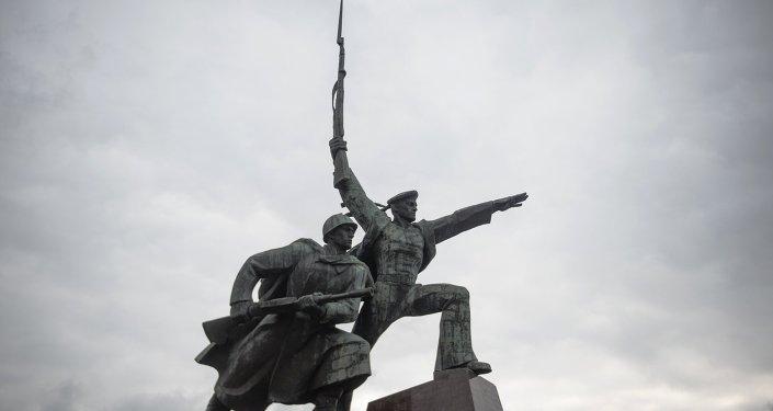 تمثال للجنود الروس في القرم