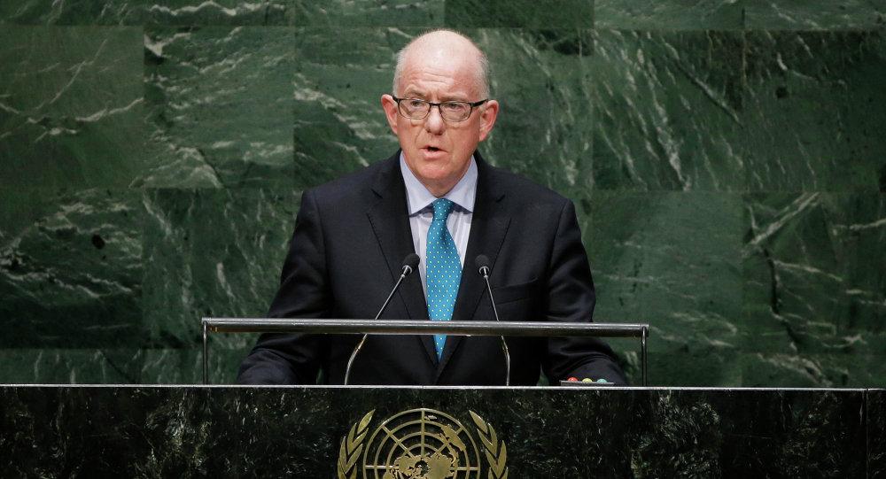 تشارلز فلاناغان وزير الشؤون الخارجية والتجارة الإيرلندي