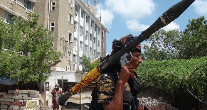 عضو من لجان المقاومة الشعبية اليمنية