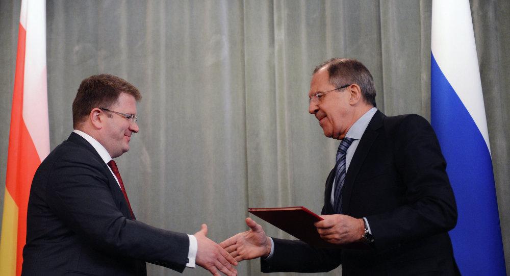 لقاء وزيري خارجية روسيا وأوسيتيا الجنوبية
