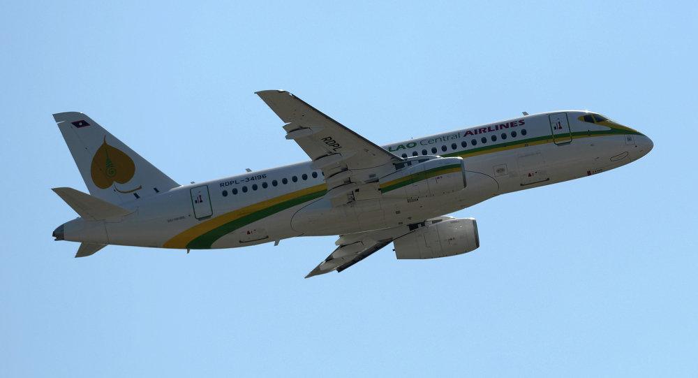 طائرة سوخوي سوبرجيت 100