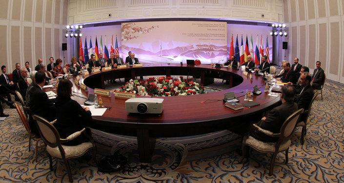 برنامج إيران النووي على طاولة الحوار