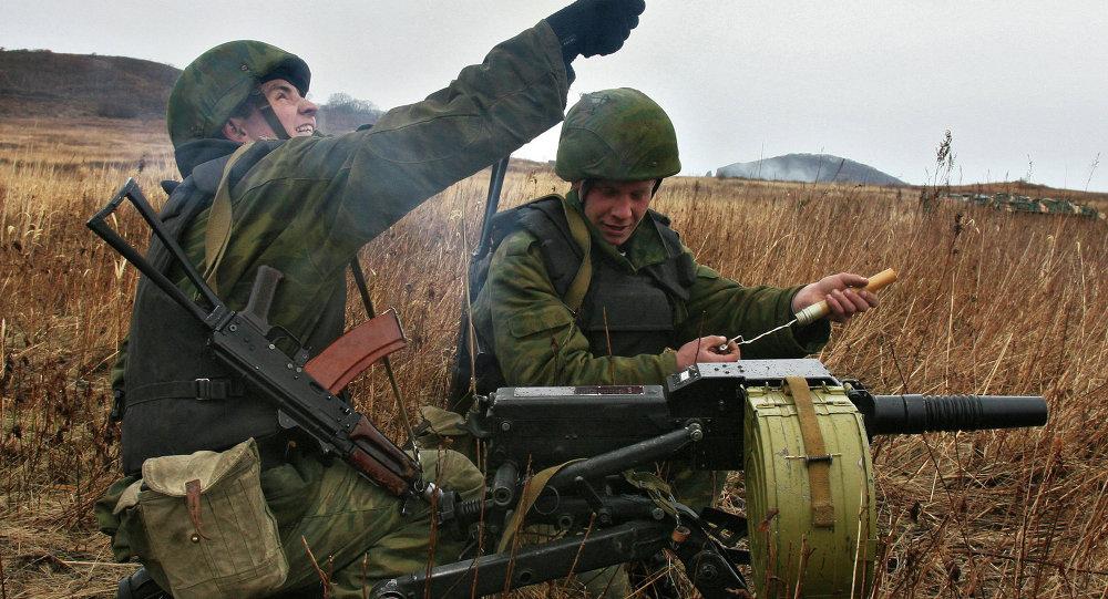 وحدة من مشاة البحرية الروسية تتلقى التدريبات