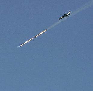 الطيران السوري يقصف أهدافا للإرهابيين في الرقة
