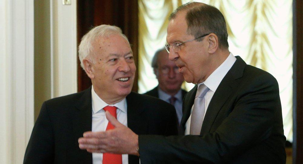 وزيرا خارجية روسيا سيرغي لافروف وإسبانيا خوسي مانويل غارسيا مارغاليو