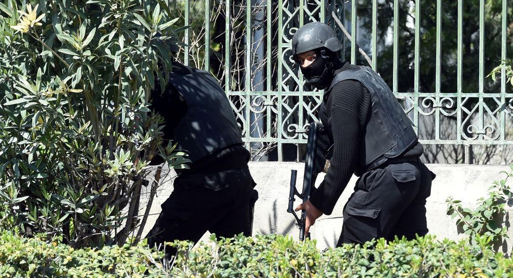 قوات الأمن التونسية عند متحف باردو