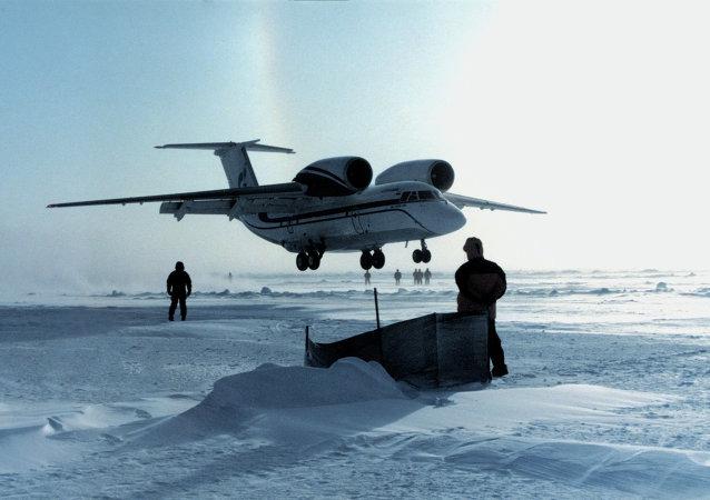 طائرة روسية في القطب الشمالي