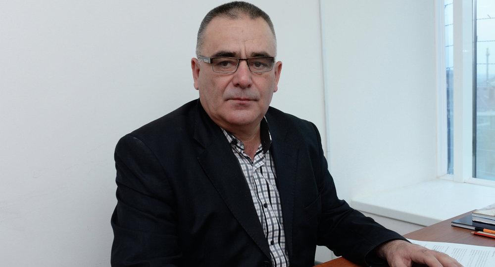 الكاتب الشيشاني روسلان زاكرييف