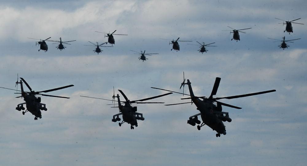 مروحيات فوق مطار كوبينكا العسكري