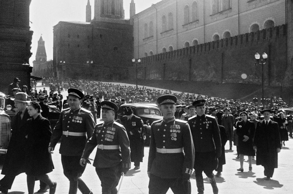العرض العسكري بمناسبة عيد النصر، موسكو 9 أيار/ مايو  1945