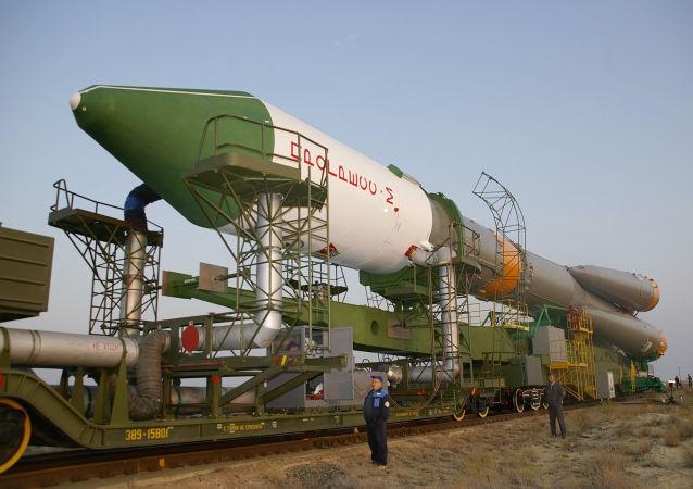 الاستعدادات لإطلاق مركبة بروغريس للشحن الفضائية