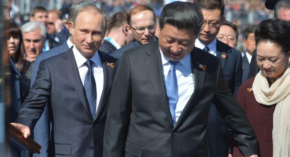 الرئيس الروسي فلاديمير بوتين وضيوف احتفالات عيد النصر
