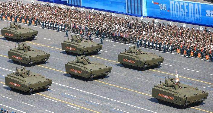 عرض عسكري في موسكو بمناسبة عيد النصر