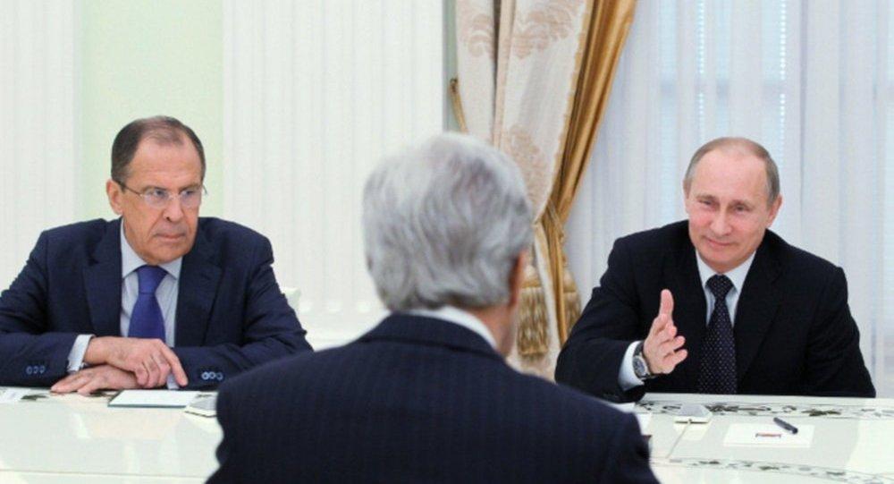 لقاء بوتين ولافروف وكيري