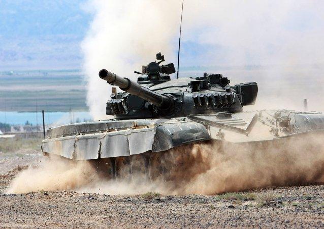دبابة خلال تدريب