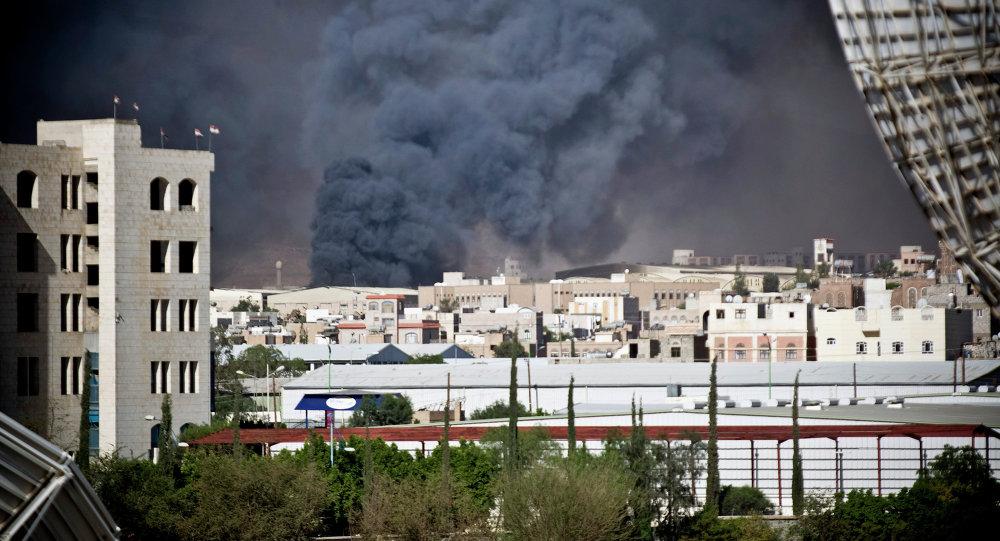 القوات الجوية السعودية تقصف مخازن الذخيرة في صنعاء