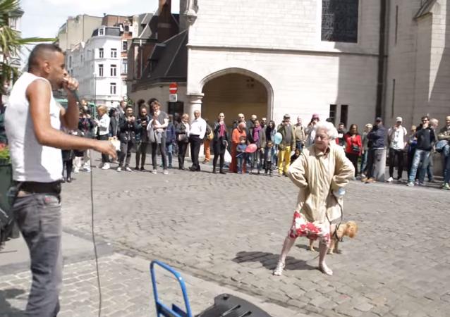 العجوز ألتى أبهرت بروكسل