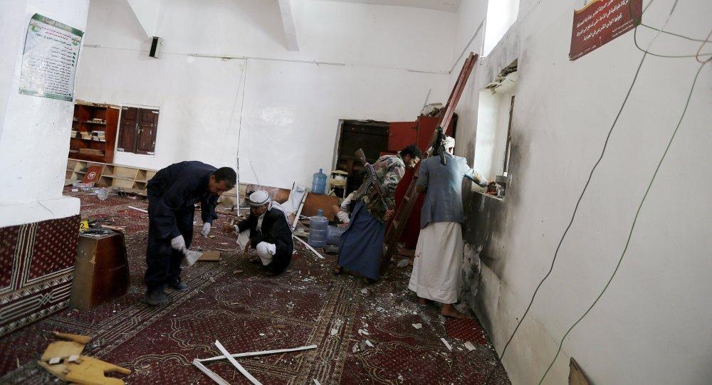 إصابة 13 شخصا في إنفجار عبوة ناسفة بجامع الصياح بصنعاء