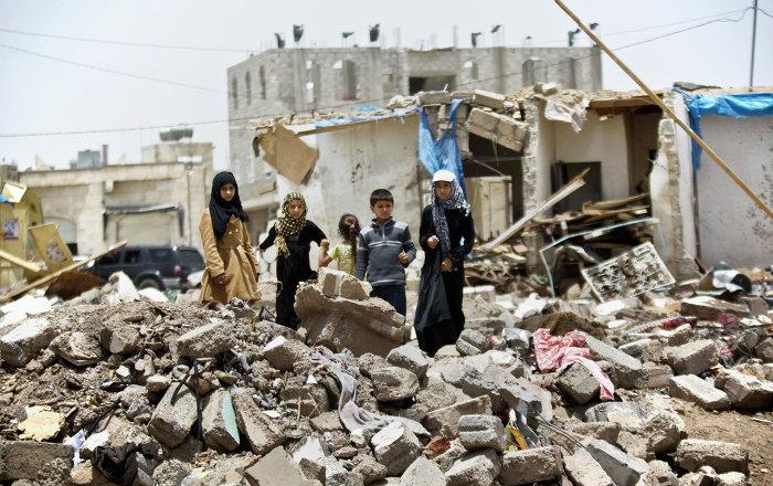 الصليب-الأحمر-ما-الحياة-في-اليمن-الآن-سوى-موت-ودمار-وجوع