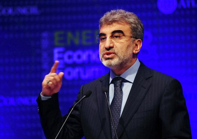 وزير الطاقة التركي تانر يلدز